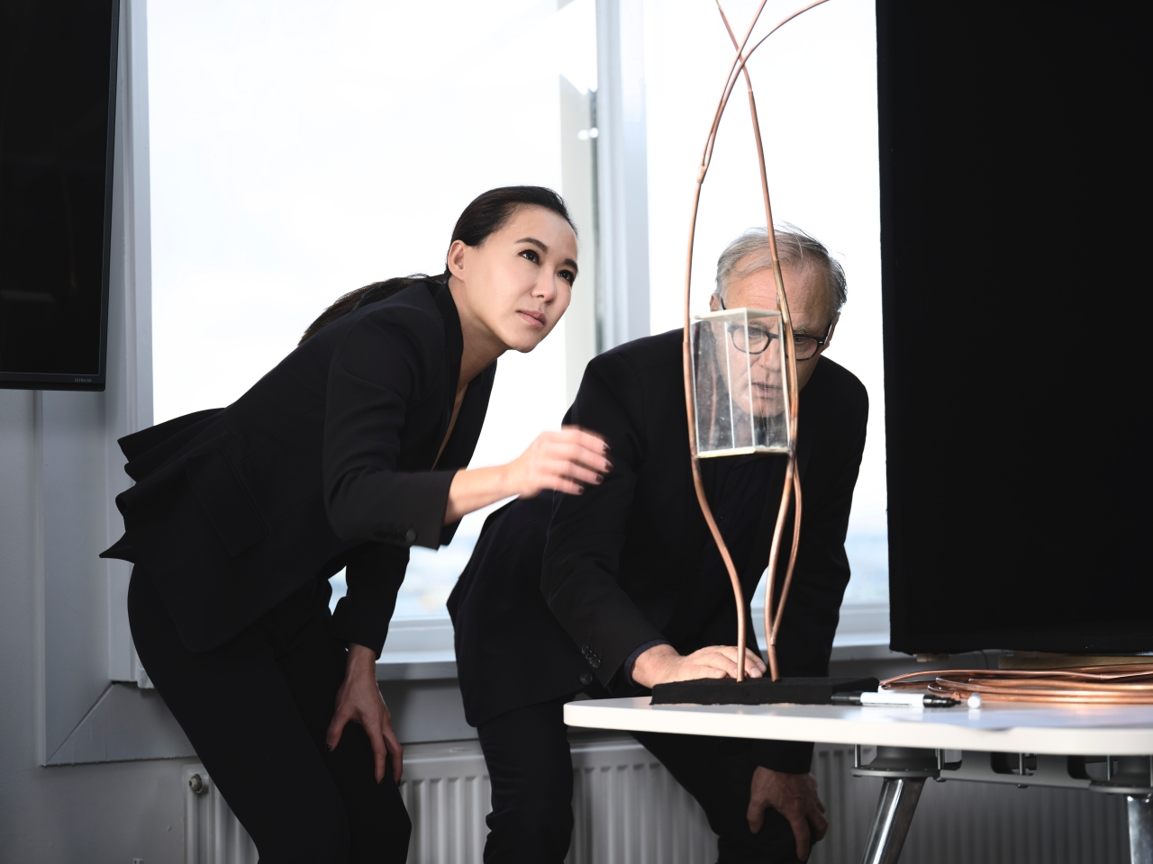 (左)珠寶藝術家Cindy Chao (右)荷蘭國寶級建築師Tom Postma