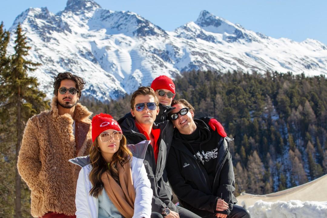 巨星們受邀於長達1,722米賽道上體驗雪車的飆速快感_batch