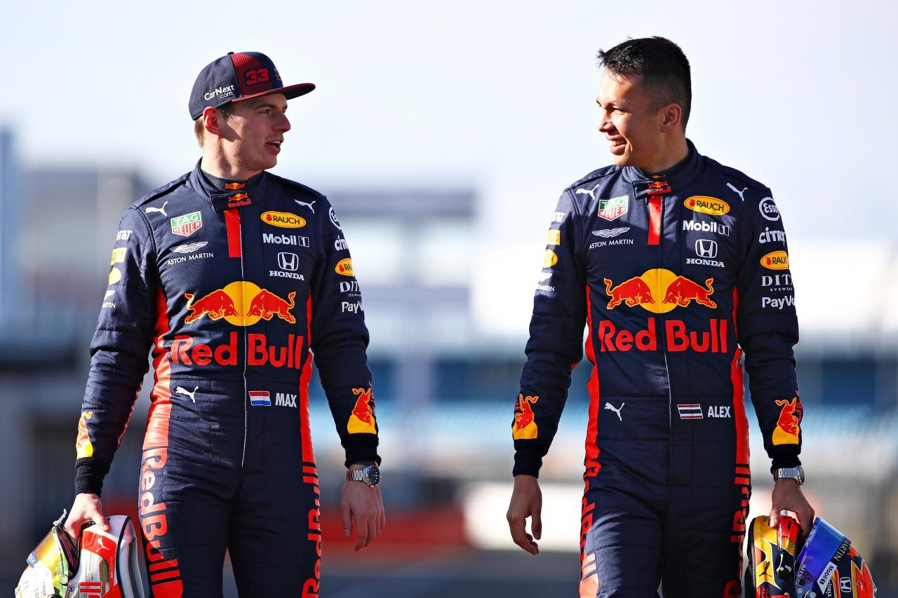 ASTON MARTIN F1紅牛車隊車手Max Verstappen及Alex Albon配戴腕錶形象照