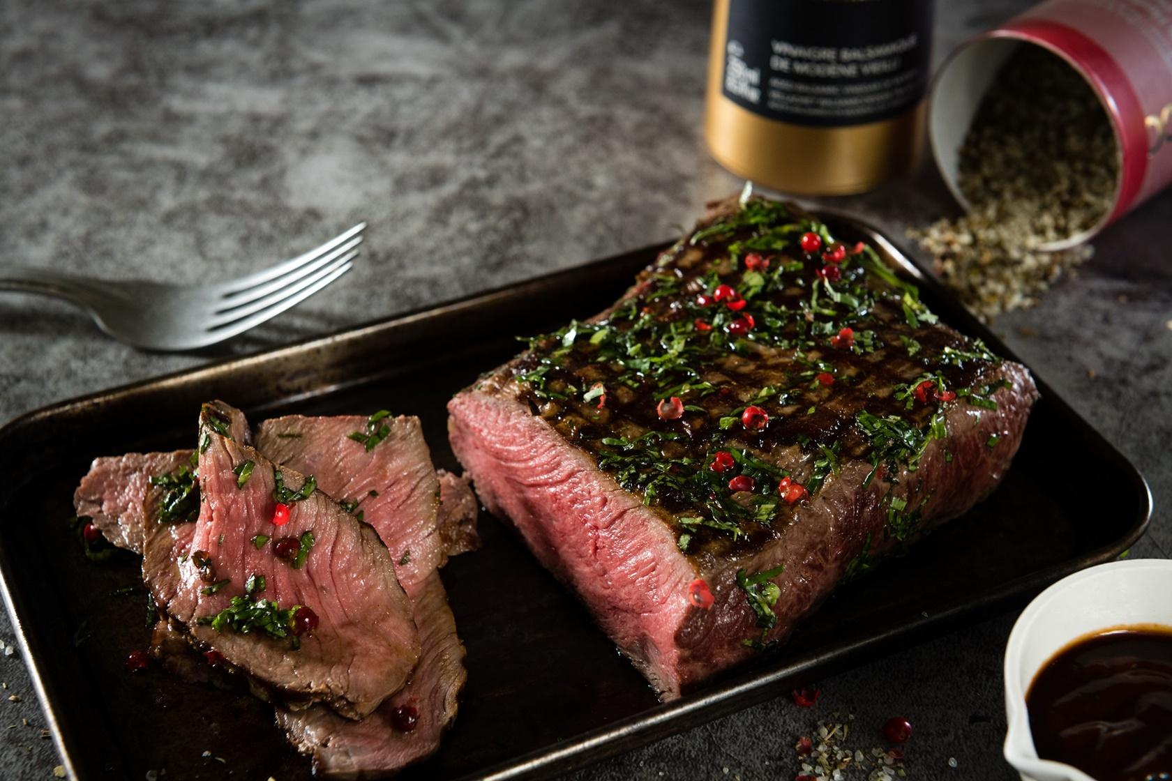 由米其林名廚Jean-Marie Meulien設計的香料海鹽,為今年的烤肉帶來奢華的夢幻感!