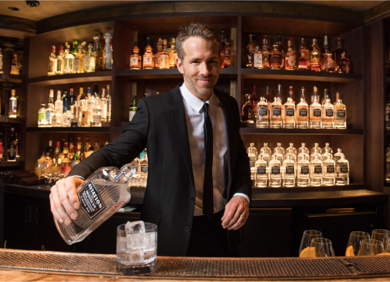 演而優則從商|Ryan Reynolds 的美國琴酒創下銷售紀錄