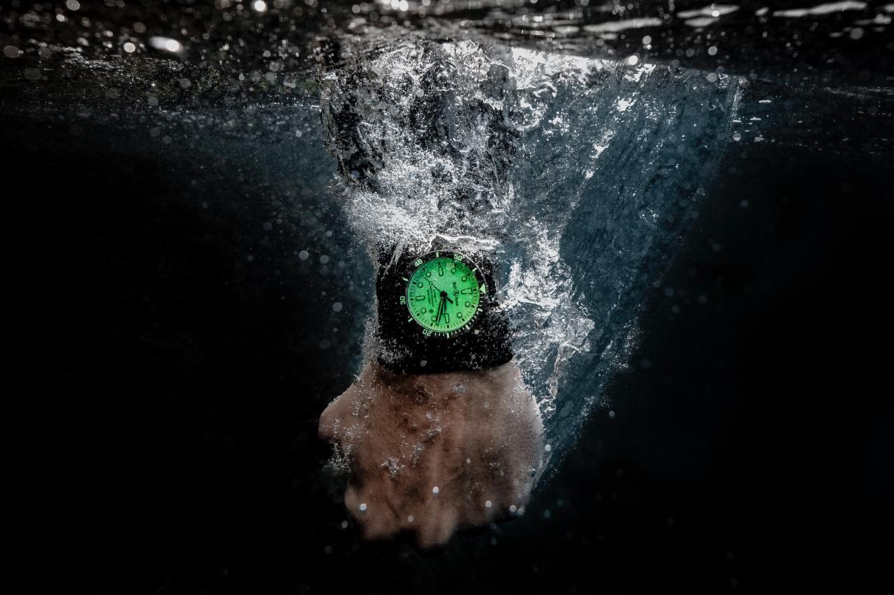 WATCH THIS 成為你的深海明燈,極致的瑞士製錶工藝