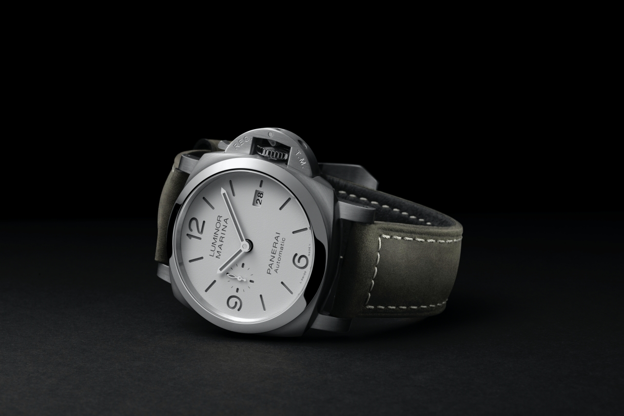 WATCH THIS|兼顧生活與運動的三明治面盤腕錶